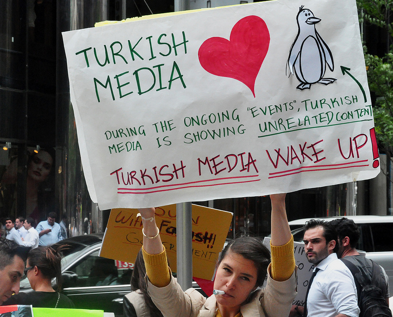 Foto turkish media wake up
